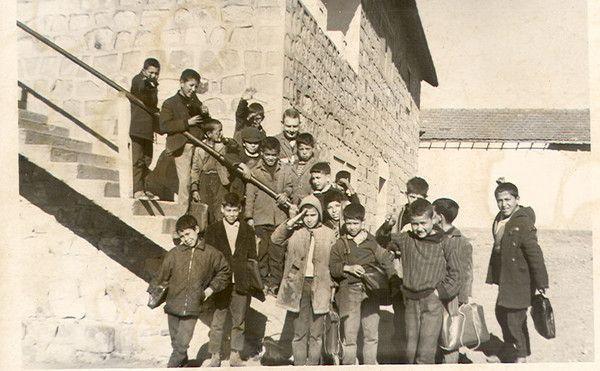 février 66 Bouzeguène  l'escalier de la 4e Compagnie